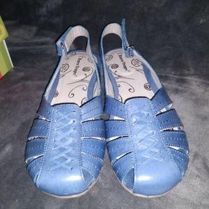 Bare Traps Blue Sandals Sz 9.5